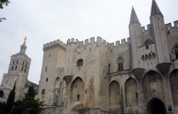 Na moście w Avignon