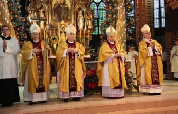 Gliwice: święcenia biskupie ks. Andrzeja Iwaneckiego
