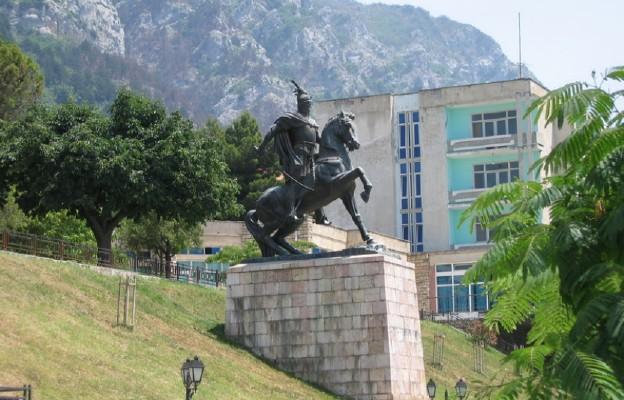Pomnik Jerzego Kastrioty (Skanderbega) w Krui