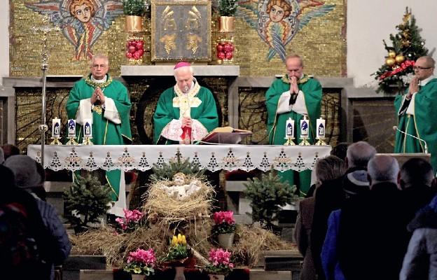 Eucharystia i spotkanie z pracownikami służby zdrowia