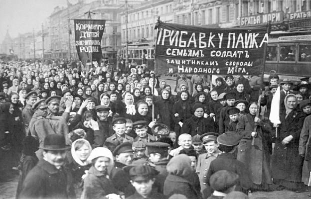Demonstracja robotników z Zakładów Putiłowskich w Piotrogrodzie, marzec 1917