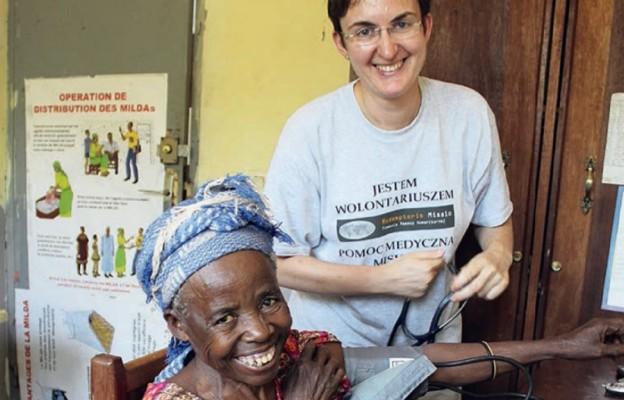 Dr Maria Wieteska na misji w Afryce