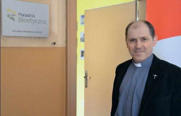 Ks. Andrzej Muszala zaprasza do Poradni Bioetycznej