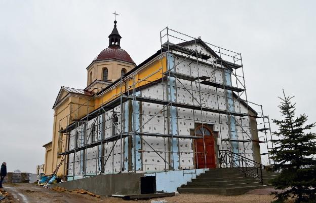 Rozbudowali swój kościół