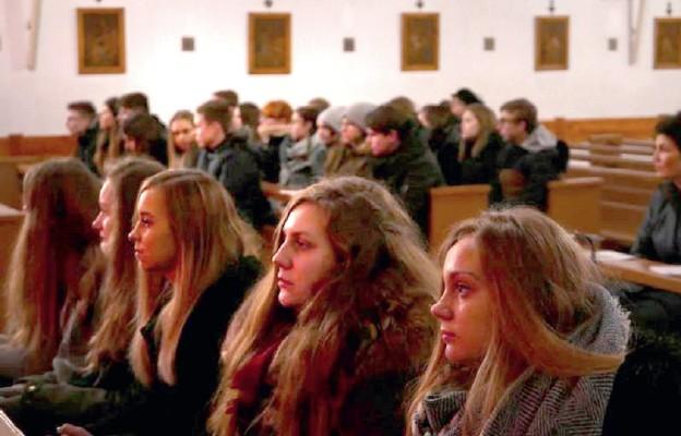 Młodzież oddana Chrystusowi