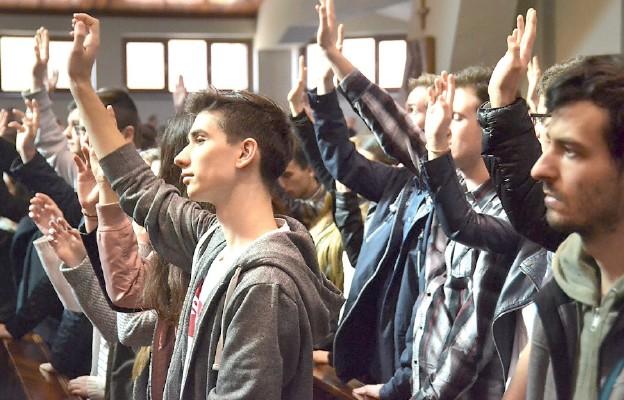 Duchowa rEwolucja jest skierowana głównie do młodych