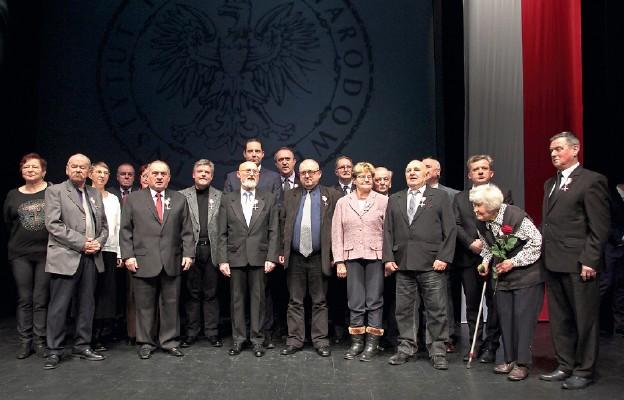Zdjęcie wszystkich odznaczonych przez IPN