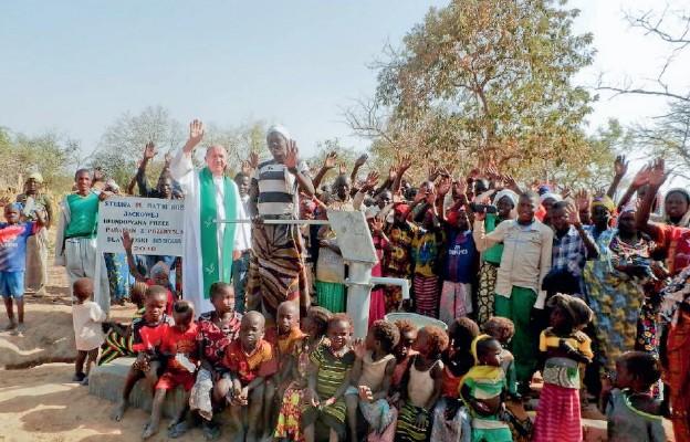 Patronka studni w Czadzie