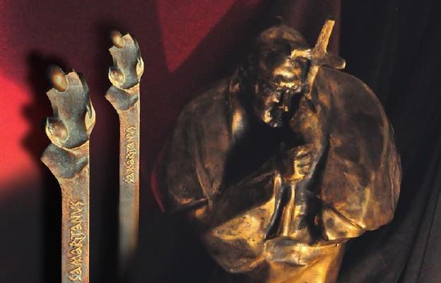 Statuetka Miłosierny Samarytanin