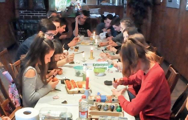 Warsztaty zdobienia pisanek w Tarnogrodzie