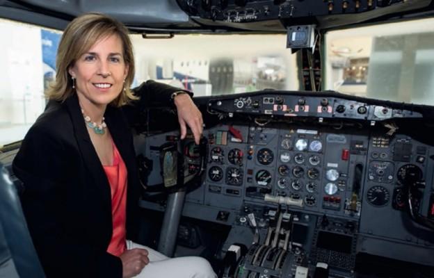 Nicole Piasecki – córka wynalazcy i producenta śmigłowców transportowych – była jednym z najważniejszych wiceprezesów firmy Boeing w USA. W 2017 r., po 25 latach pracy, przeszła na emeryturę