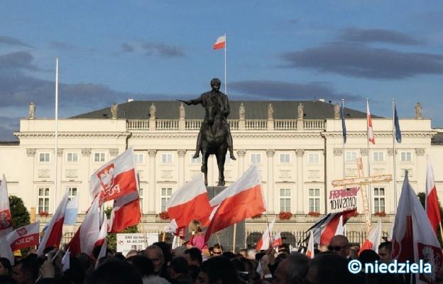 Warszawa: Uczestnicy Marszu Niepodległości podali trasę rajdu