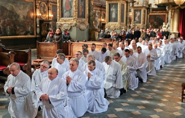 Służyć Chrystusowi obecnemu w Najświętszej Eucharystii
