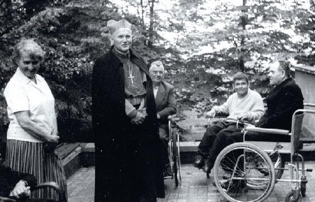 Z Biskupem Wojtyłą szła do chorych
