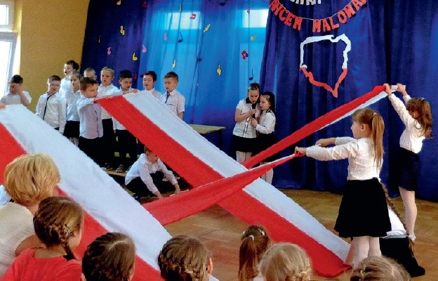 Zorganizowany konkurs w Miejskim Przedszkolu nr 3 w Sokołowie Podlaskim był ciekawą lekcją patriotyzmu