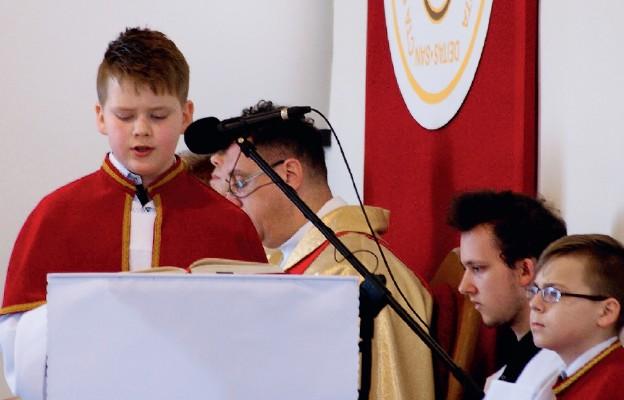 Młodzież zŁaszczówki Bogiem silna