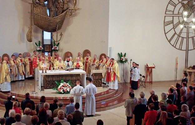 Eucharystia pod przewodnictwem abp. Stanisława Budzika