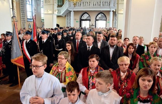 Masłów dziękował za sto lat parafii