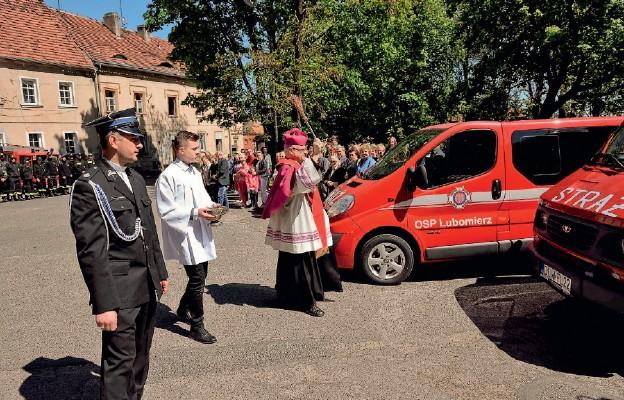 Modlitwa strażaków z Biskupem w Lubomierzu