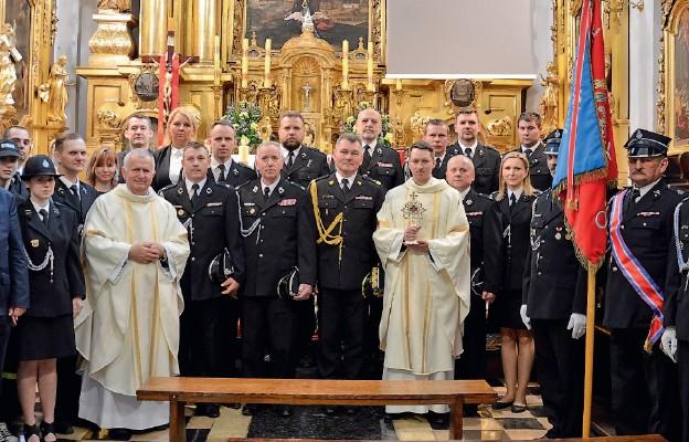 Uczestnicy pielgrzymki do Krakowa, skąd sprowadzono relikwie św. Floriana