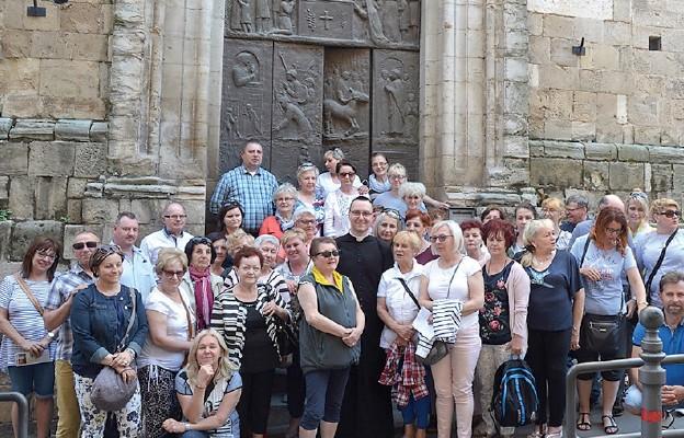 Pielgrzymi z Trzebiatowa na szlaku Cudów Eucharystycznych