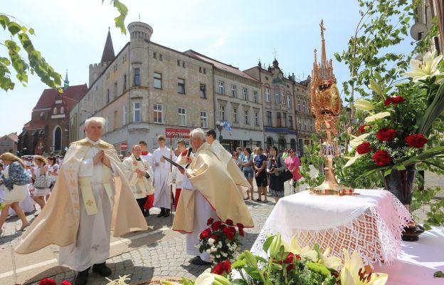 Mszy św. oraz procesji eucharystycznej przewodniczył kard. Gerhard Ludwig Müller