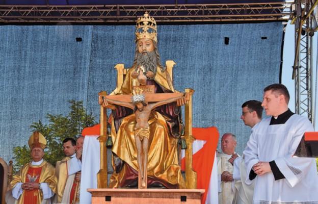 Napełnieni Duchem Świętym uwielbiamy Trójcę Przenajświętszą