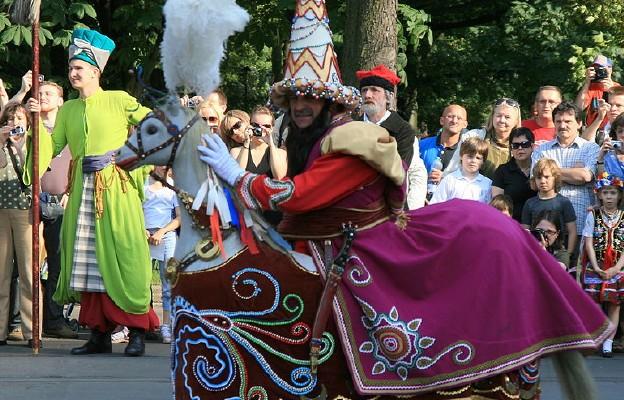 Kraków: dziś tradycyjny pochód Lajkonika