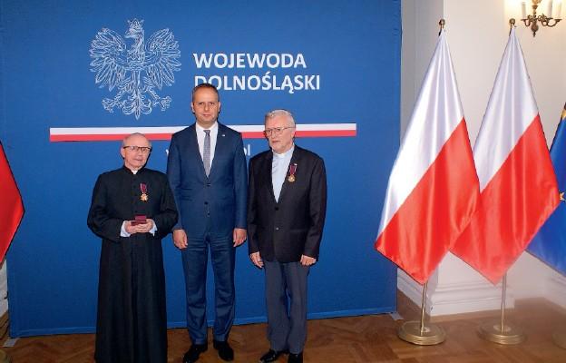 Złote Krzyże Zasługi dla naszych kapłanów