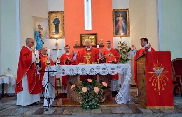 Konsekracja kościoła na wałbrzyskim Gaju