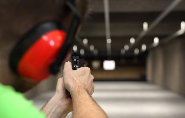 Czy Polacy powinni posiadać broń?