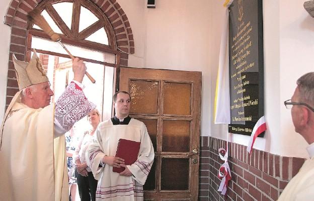 Poświęcenie kościoła Świętej Rodziny w Wałbrzychu