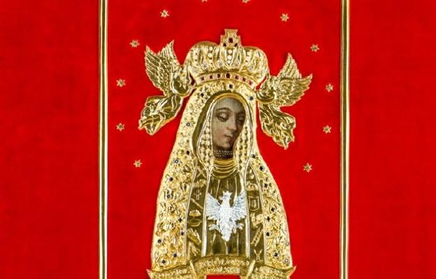 Matka Boża Licheńska w nowej sukience