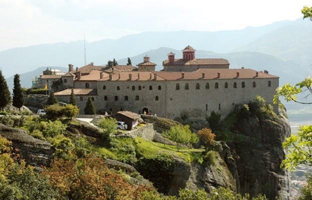 Klasztory pod chmurami