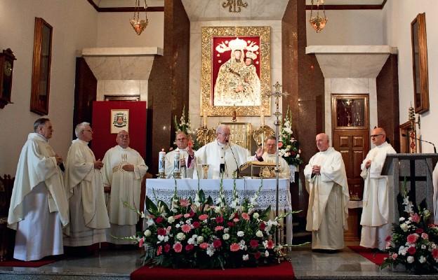 Uroczysta Msza św. pod przewodnictwem abp. Stanisława Budzika