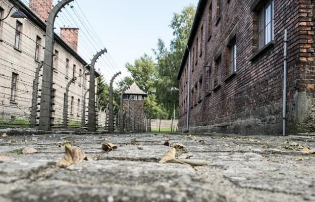 Oświęcim: upamiętniono akcję wysiedleń mieszkańców podoświęcimskich wiosek
