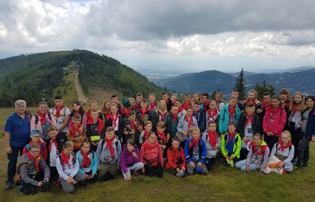 Młodzież z Garbowa - Cukrowni w Beskidzie Śląskim