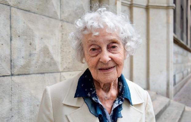 Ma 100 lat i wciąż się uczy