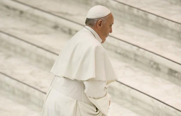 Papież zatelefonował do żony zmarłego Ennia Morricone