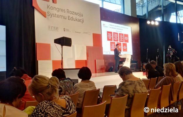 Kongres Rozwoju Systemu Edukacji 2 - przemawia dr Paweł Poszytek