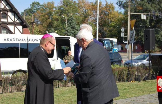 o. bp Jacek Kiciński otrzymał honorową odznakę ,,Zasłużony dla Sybiraków