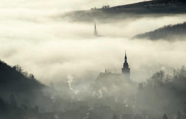 """""""Niewidzialne"""" kościoły"""