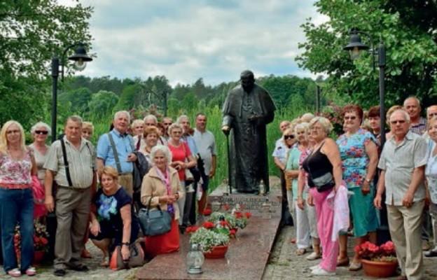 Seniorzy zwiedzają Polskę