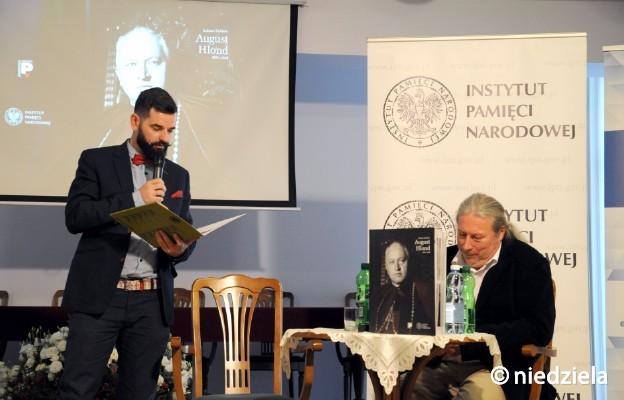 Łukasz Kobiela, autor albumu i Bartosz Kapuściak
