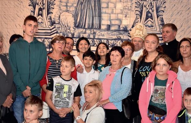 Radosne spotkanie w sanktuarium Dzieci Fatimskich
