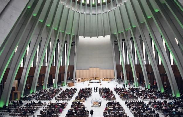 Kościół. Emigracja. Niepodległość