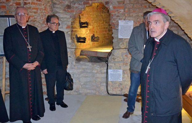 Pod bazyliką chełmską otwarto krypty