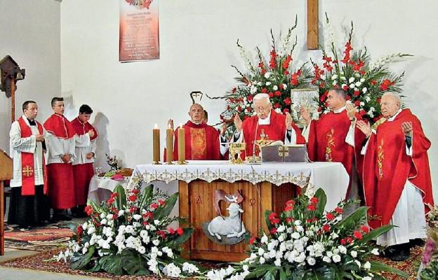 Złote gody parafii w Trzebieniu