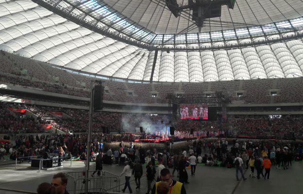 Stadion wypełniła rzesza młodych ludzi