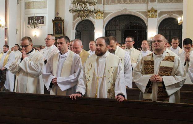 Modlitwa w rokitniańskiej bazylice